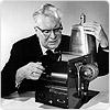 Chester Carlson med den första xerografiska apparaten.