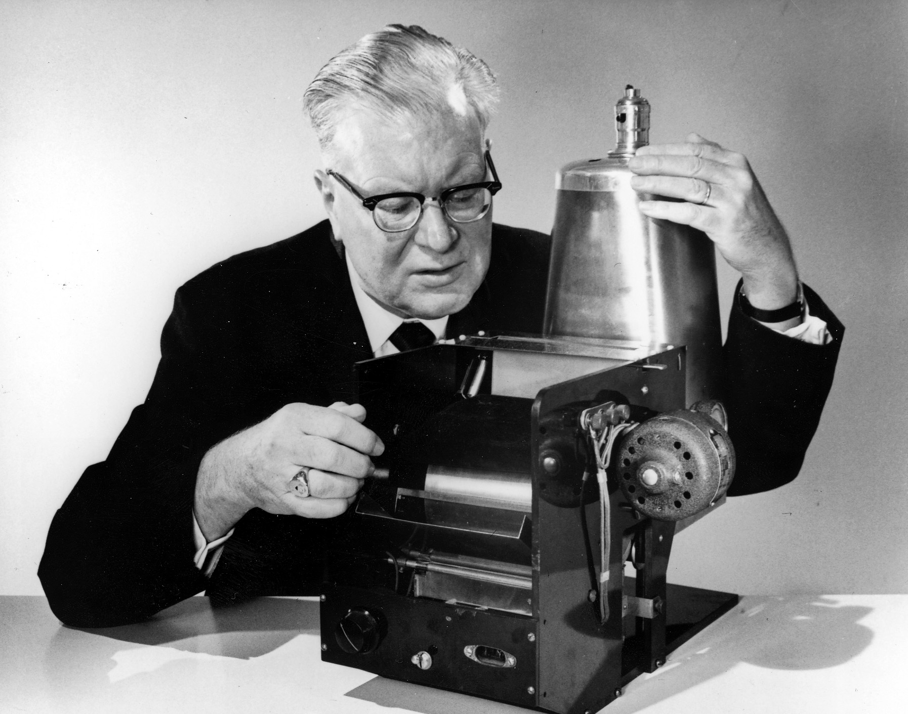 a biography of chester carlson Chester carlson: the hard life that gave us photocopiers.